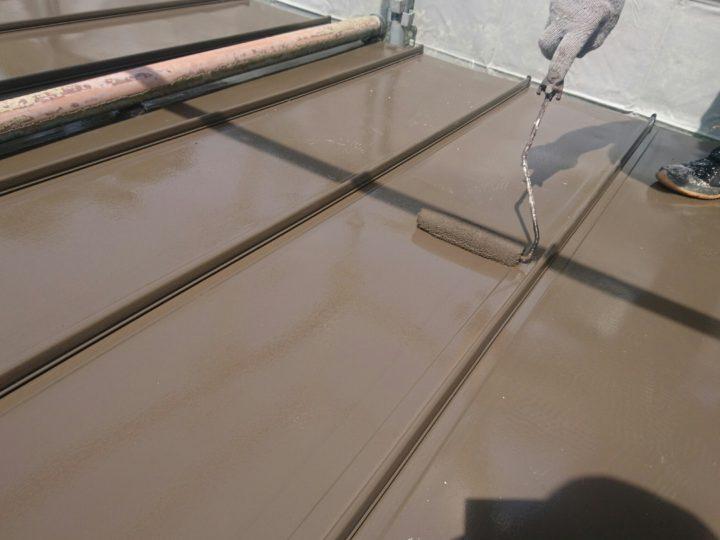 板金屋根 上塗り
