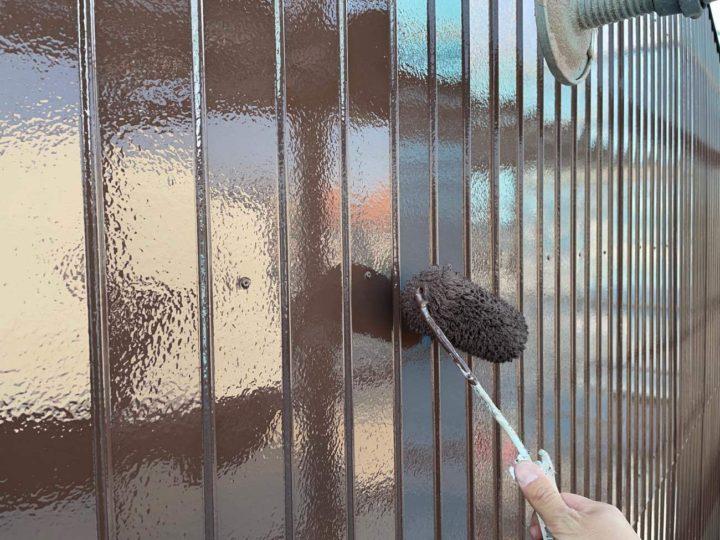 トタン壁上塗り