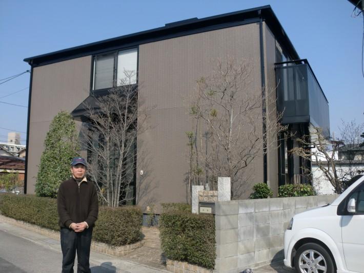 岡山市北区Y様と施工後の記念撮影