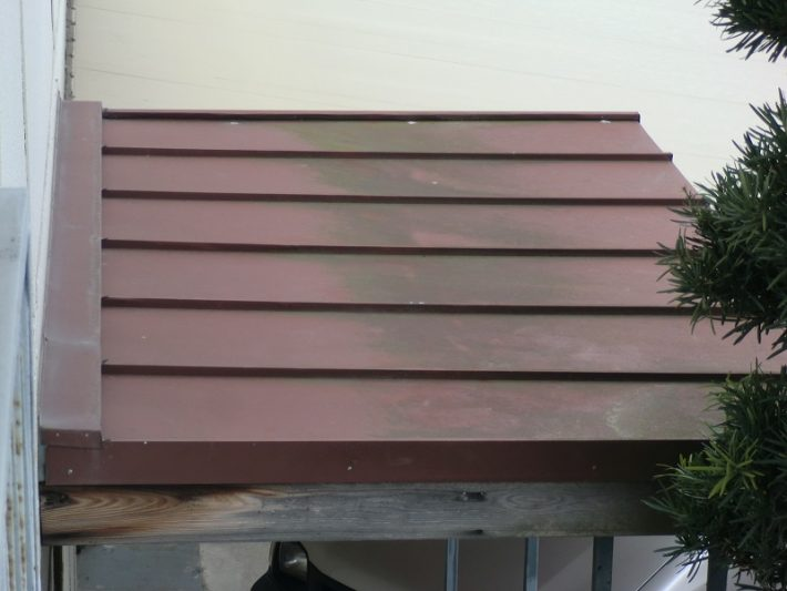 岡山市北区K様邸の施工前の瓦棒屋根の写真