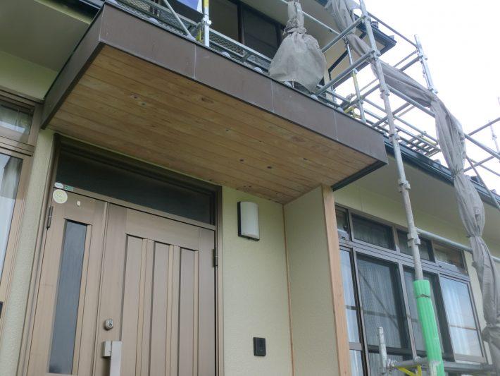 岡山市北区N様邸の玄関木部あく洗い完成写真