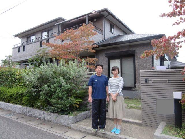 岡山市南区F様邸完成を祝って記念撮影