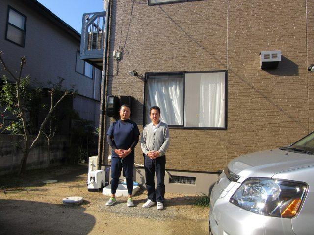 岡山市中区M様と共に塗装完成記念撮影
